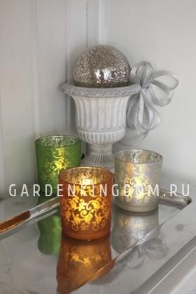 Свеча в стеклянном стакане с орнаментом, 8 см, зеленая