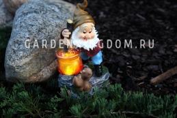 Фигура садовая - светильник Гном и белка Solar energy
